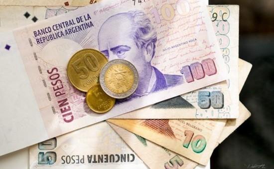 Argentina bán 1 tỷ USD để chặn đà lao dốc của đồng Peso