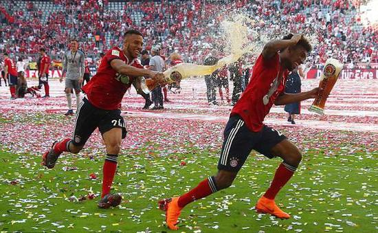 Ảnh: Bayern Munich ăn mừng chức vô địch Bundesliga 2017/18