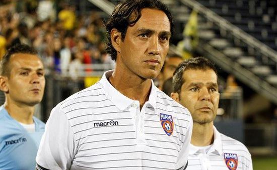 Perugia liên hệ với Alessandro Nesta