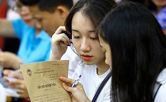 Sử dụng nhiều tổ hợp môn mới trong xét tuyển Đại học