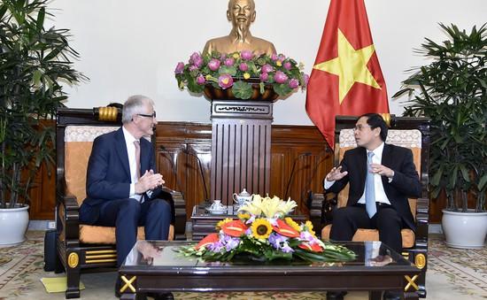 Thứ trưởng Bộ Ngoại giao Bùi Thanh Sơn tiếp Thủ hiến vùng Flanders, Bỉ