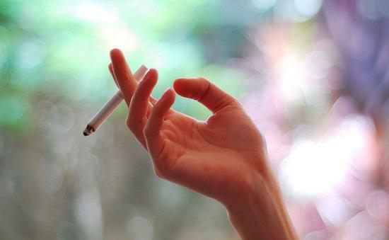 Hút thuốc gián tiếp – mối nguy hiểm không từ một ai