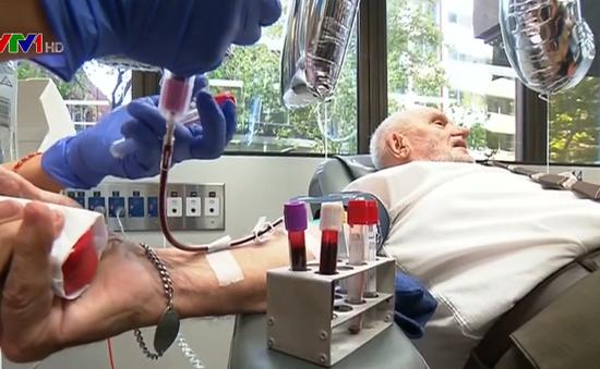 Cụ ông hiến máu hơn 1.000 lần