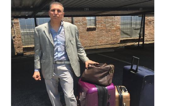 Mỹ: Tài xế Uber bị cáo buộc lấy hành lý của khách