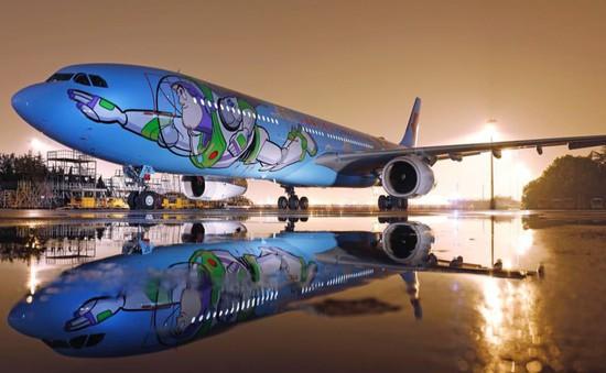"""Đắm mình trong thế giới của Disney với máy bay """"Toy Story"""""""