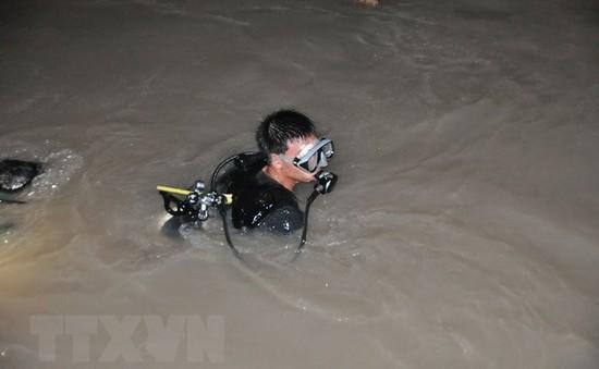 Nghệ An: Đã tìm thấy thi thể bé trai trượt chân rơi xuống sông bị nước cuốn