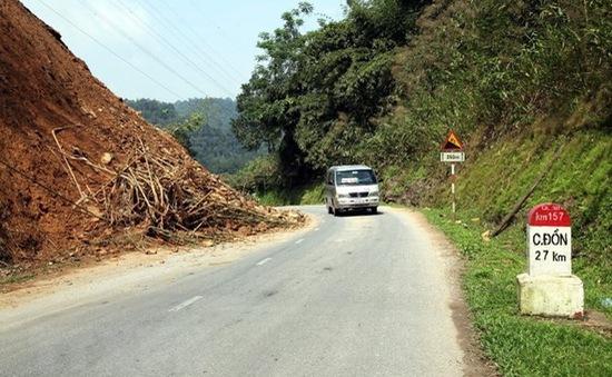 Miền Bắc cảnh báo sạt lở đất ở vùng núi, miền Nam nguy cơ mưa to ngập úng