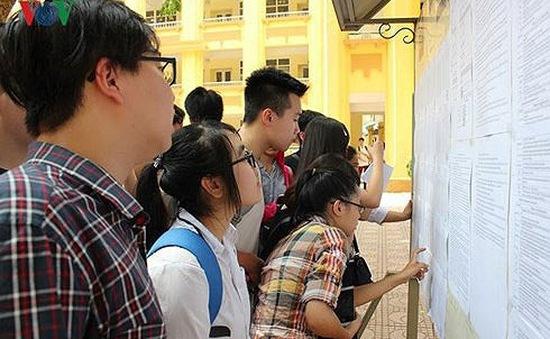 Hà Nội tăng cường kiểm tra các cửa hàng bán thiết bị điện tử, photocopy trước mùa thi