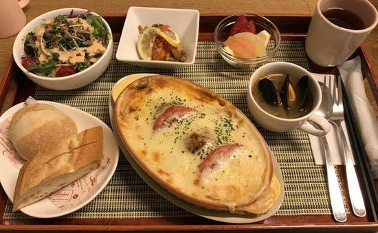 Bệnh nhân Nhật Bản không muốn xuất viện vì đồ ăn ngon