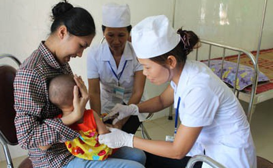 Lơ là trong tiêm chủng, nguy cơ trở lại của các bệnh truyền nhiễm
