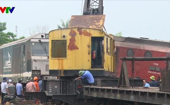 Thông tuyến đường sắt Bắc - Nam đoạn qua Quảng Nam sau vụ tàu hàng đâm nhau