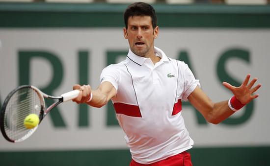Djokovic thắng nhàn trận ra quân, Wawrinka mất 1200 điểm