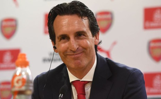 """Arsenal """"ém hơi"""" trong chợ Hè, HLV Unai Emery nói gì?"""