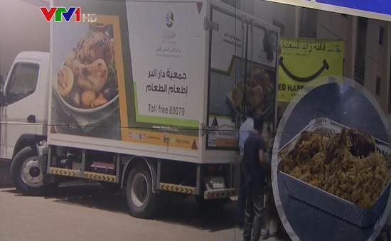 Chuyến xe tải mang hạnh phúc cho cư dân nghèo ở Dubai