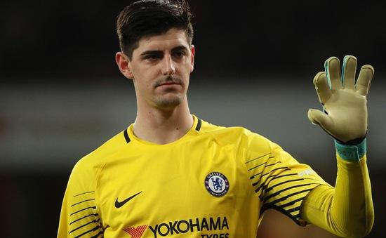 """Liverpool tính rút ruột """"tàu đắm"""" Chelsea"""