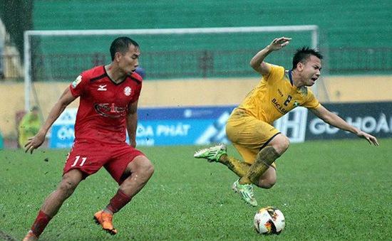 Cầu thủ CLB TP Hồ Chí Minh nhận án phạt nặng vì lối chơi thô bạo