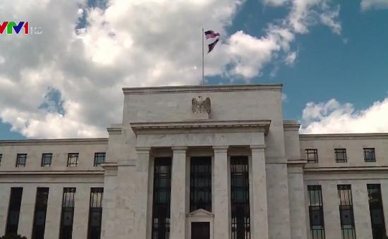 Tổng thống Mỹ tiếp tục chỉ trích chính sách tăng lãi suất của FED