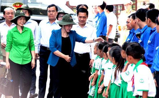 Vinamilk trồng 100.000 cây xanh và trao tặng 66.000 ly sữa tại tỉnh Cà Mau