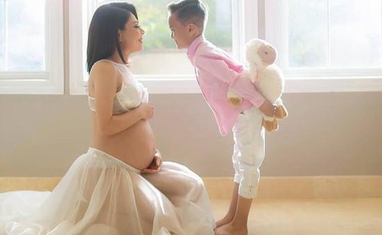 Mang bầu ở tuổi 41, Thanh Thảo tự tin diện nội y khoe vẻ đẹp rạng ngời
