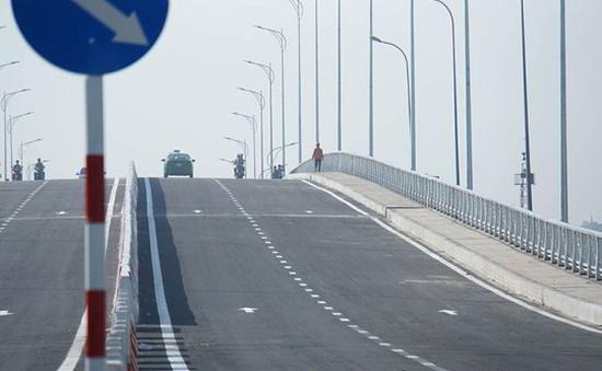 Thông xe cầu qua đảo Kim Cương