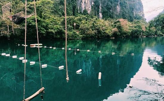 Vẻ đẹp bình yên của sông Chày - Suối Moọc