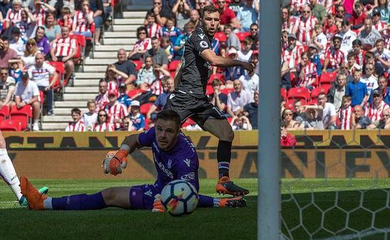 Kết quả bóng đá sáng 06/5: Stoke City chính thức xuống hạng, Juventus củng cố ngôi đầu