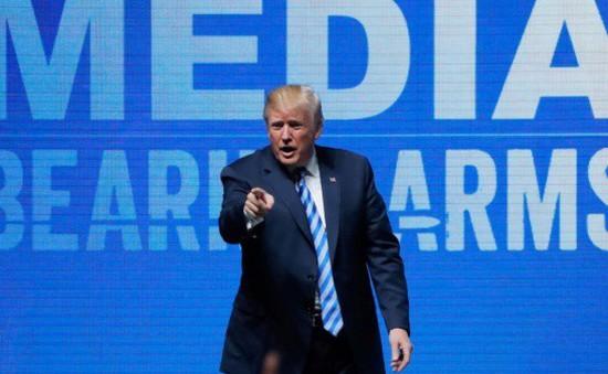 Phát biểu của Tổng thống Trump về luật súng đạn gây phẫn nộ ở Anh và Pháp