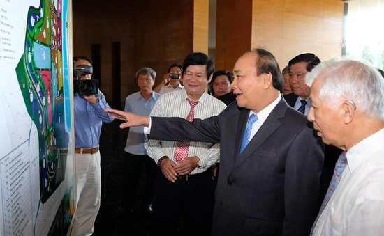 Thủ tướng thăm các cơ sở khoa học tại Bình Định