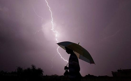 Cảnh báo tai nạn dông sét đầu mùa mưa