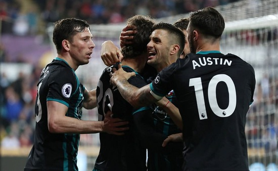 Ngoại hạng Anh: Để thua Southampton trên sân nhà, Swansea đối mặt nguy cơ xuống hạng