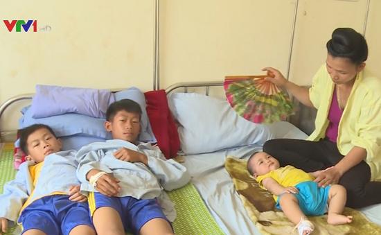 Hơn 250 người bị ngộ độc sau khi ăn cỗ cưới tại Sơn La
