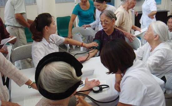 Nhiều đề xuất BHXH mới cho người cao tuổi