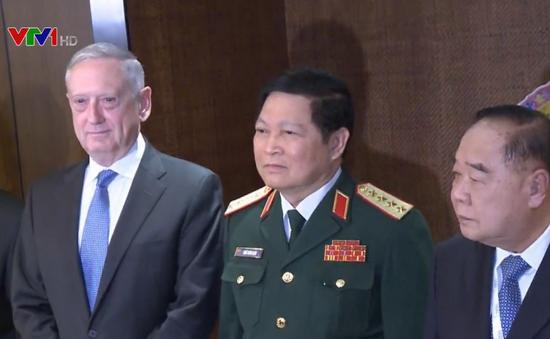 Đối thoại Shangri-La: Nóng vấn về Triều Tiên và Biển Đông