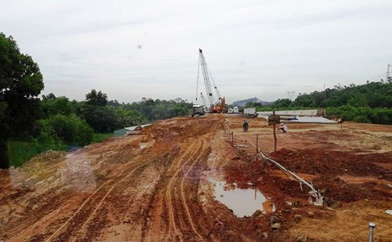 Cao tốc Đà Nẵng - Quảng Ngãi lại chậm tiến độ