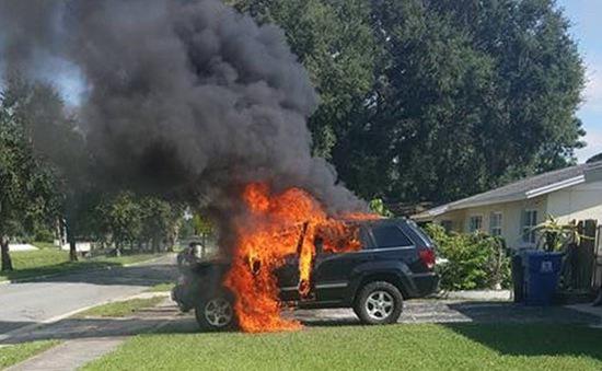 Điện thoại phát nổ gây cháy xe tại Mỹ