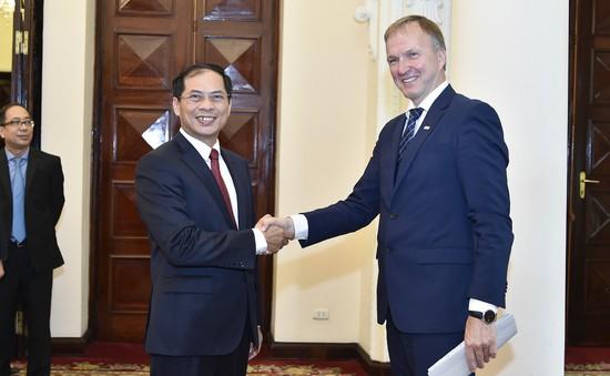 Thứ trưởng Bộ Ngoại giao Latvia tham vấn chính trị tại Việt Nam