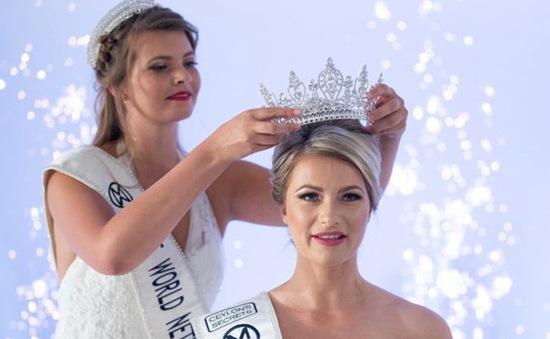 """Bất ngờ với nhan sắc """"già nua"""" của tân Hoa hậu Thế giới Hà Lan"""