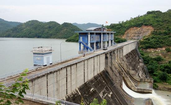 Tổng cục Thủy lợi kiểm tra an toàn hồ chứa tại một số tỉnh thành miền Trung