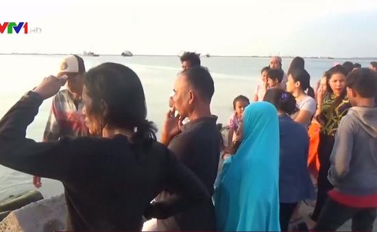 Lật thuyền tại Indonesia, hàng chục người thiệt mạng