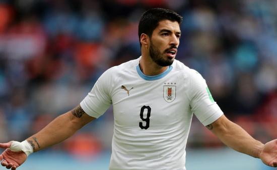 FIFA World Cup™ 2018: Bênh Suarez, HLV Uruguay chê Pele, Messi, Maradona... đá dở