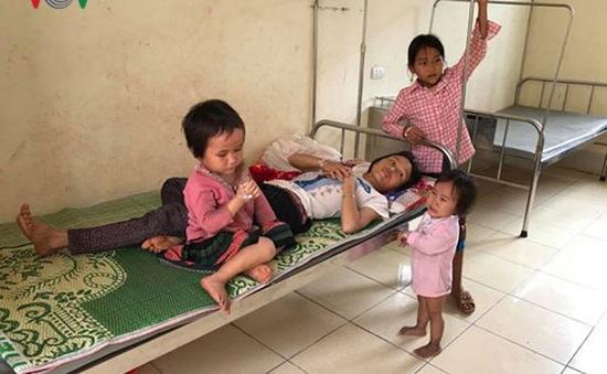8 mẹ con trong một gia đình ở Điện Biên bị ngộ độc nấm lạ