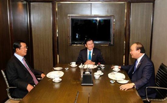 """Ảnh chụp 3 Thủ tướng cùng ăn sáng và làm việc """"gây sốt"""""""