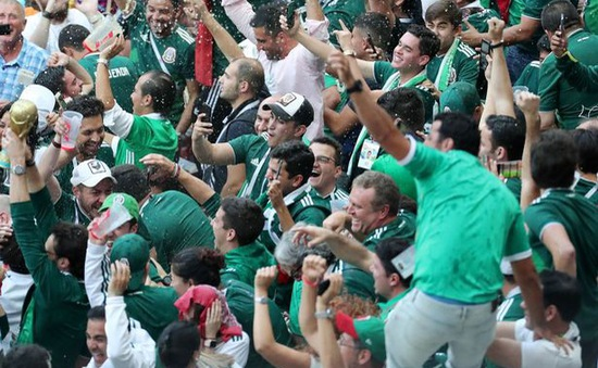 CĐV Mexico gây... động đất khi ăn mừng chiến thắng đội tuyển Đức