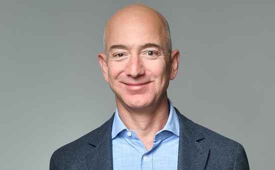 CEO của Amazon trở thành người giàu nhất thế giới