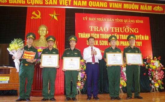 Quảng Bình: Trao thưởng cho các tập thể, cá nhân triệt phá hai chuyên án ma túy lớn