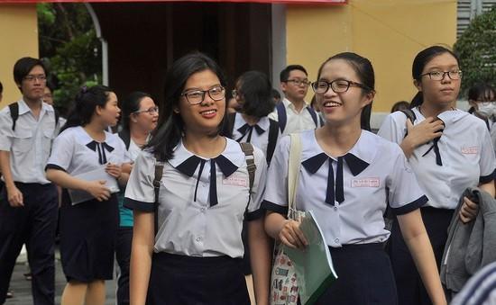 Hỗ trợ thí sinh huyện đảo Phú Quý tham dự kỳ thi THPT Quốc gia