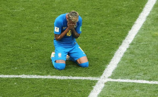 Ghi bàn dễ nhất sự nghiệp vào lưới ĐT Costa Rica, Neymar khóc nấc như trẻ con