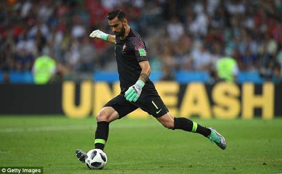 Thủ môn số 1 tuyển Bồ Đào Nha cập bến Premier League