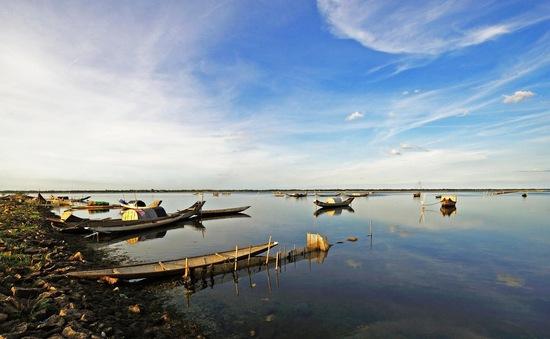"""Ước nguyện lên bờ của người dân trên những """"nhà chồ"""" phá Tam Giang"""