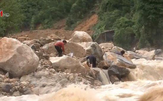 Sạt lở núi tiếp tục xảy ra trên diện rộng tại Lai Châu